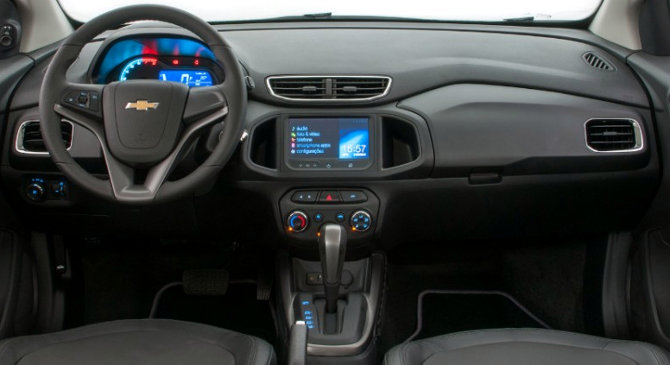 Chevrolet-Onix-LT-LTZ-cambio-automatico-Brasil-2014-interior-painel
