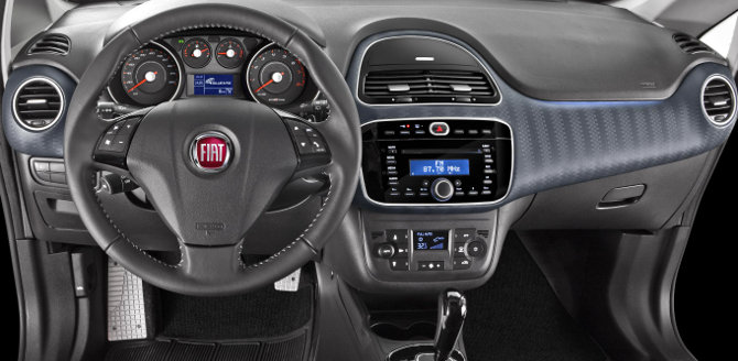 Fiat-Punto-Sporting-2014-Brasil-interior-painel