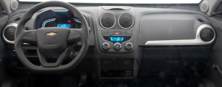 Chevrolet-Montana-LS-2014-Brasil-picape-interior-painel