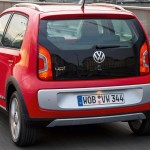 Volkswagen-Cross-Up-2014-offroad