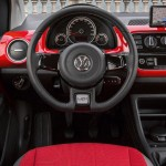 Volkswagen-Cross-Up-2014-interior-painel