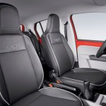 Volkswagen-up-2015-Brasil-red-interior-bancos