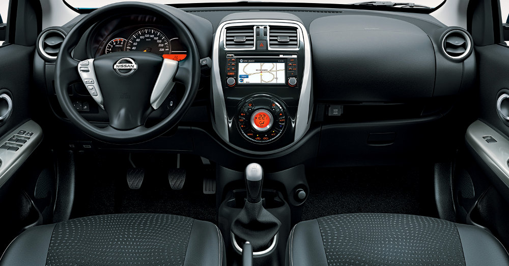 Nissan-New-March-2015-Brasil-painel-GPS