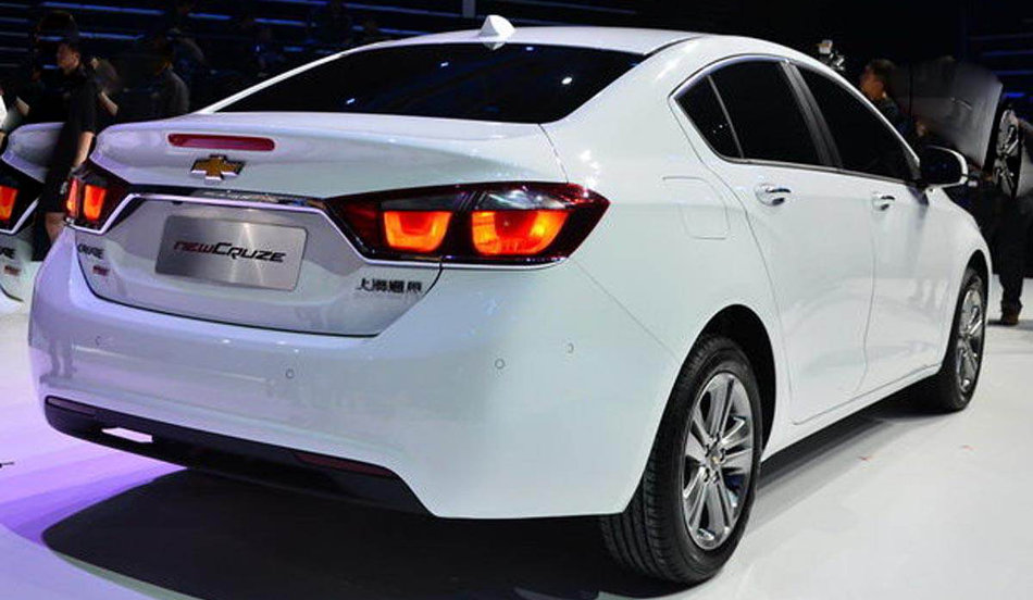 Chevrolet-Novo-Cruze-2015-GM-New-Sedan2