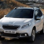 Peugeot-2008-2014-visual-movimento