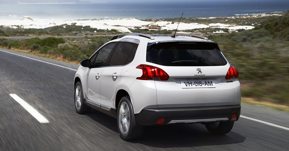 Peugeot-2008-2014-visual-movimento-traseira