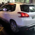Peugeot-2008-crossover-suv-visual-traseiro