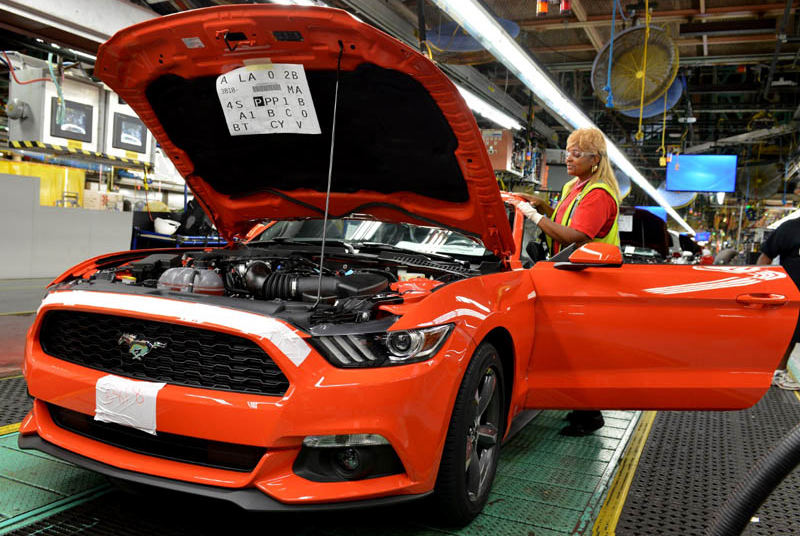 Ford-Mustang-2015-plant