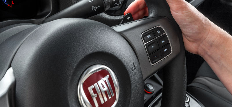 Novo-Fiat-Uno-Way-2015-Brasil-cambio-Dualogic-Plus-borboleta-paddle-shift-volante