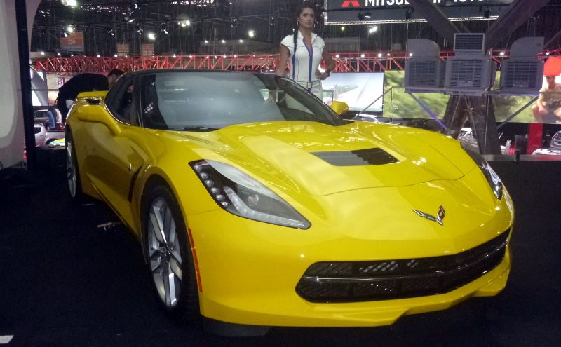 Chevrolet-Corvette-C7-Stingray-2015