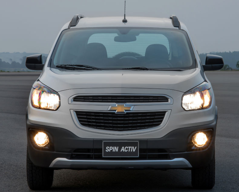 Chevrolet-Spin-Activ-2015-offroad