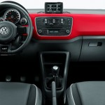 Volkswagen-Red-up-2016-TSI-turbo-painel-interior