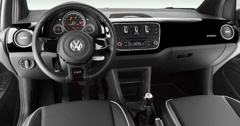 Volkswagen-Speed-up-2016-interior-painel