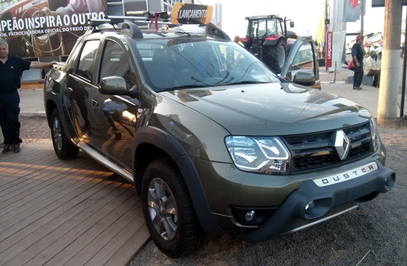 Renault-Duster-Oroch-2.0-2016