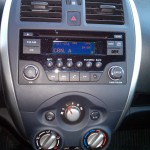 Nissan-Versa-2016-som-mp3-bluetooth