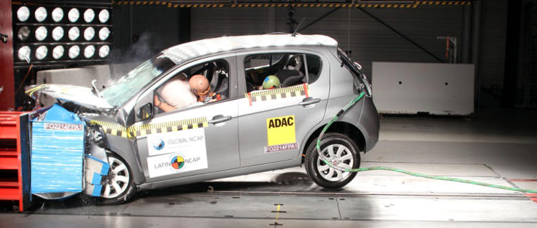 Foto do teste de impacto frontal do Fiat Palio