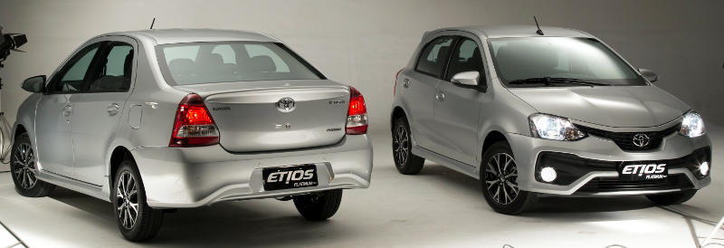 Foto do Toyota Etios Platinum 2017 hatch e sedã