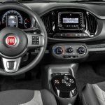 Foto do painel do Fiat Uno Way Dualogic Plus 2017