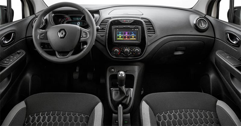 Painel e interior do Renault Captur Zen