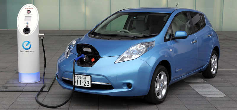 Electric car Nissan Leaf - carro elétrico