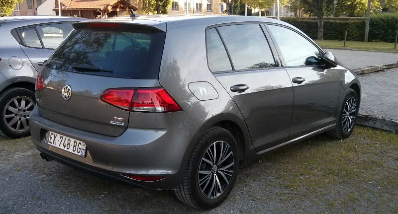 Volkswagen Golf Bluemotion com motor 1.2 TSI turbo e câmbio manual