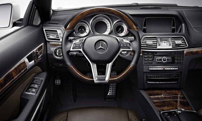 Mercedes-Benz E Class Coupe Cabriolet 2014 interior painel