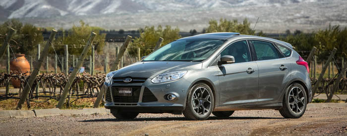 Novo-Ford-Focus-Hatch-2014-Brasil-flex