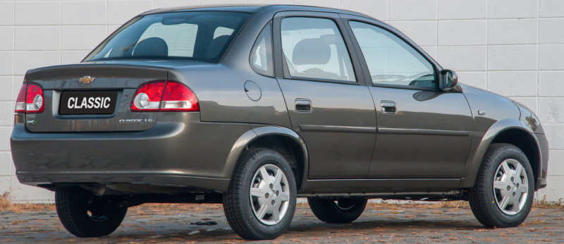 Chevrolet-Classic-2014-Brasil-LS-airbag-ABS-traseira