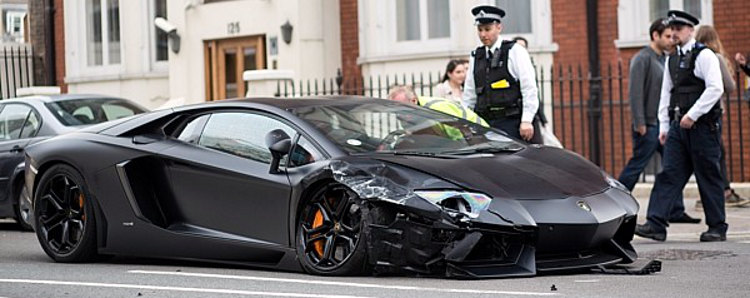 Lamborghini-Aventador-crash-London-2014