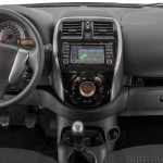 Nissan-New-March-SL-2015-Brasil-painel