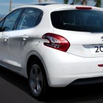 Peugeot-208-Griffe-2015-Brasil-automatico