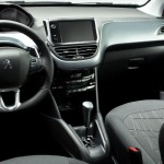 Peugeot-208-Griffe-2015-Brasil-automatico-painel