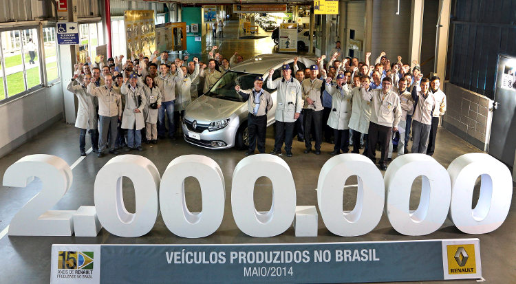 Renault-recorde-fabrica-2-milhoes-veiculos-Brasil