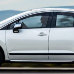 Peugeot-3008-Griffe-2015-Brasil-lateral