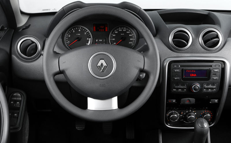 Renault-Duster-Outdoor-2015-interior-painel