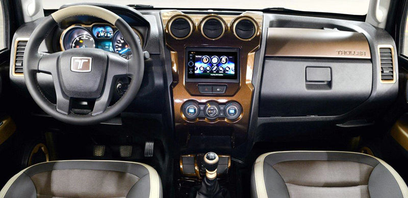 Troller-T4-Off-Road-2015-interior-painel