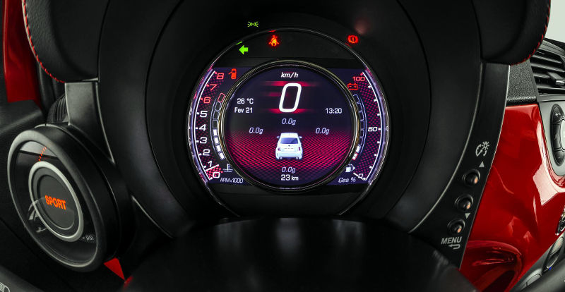 Fiat-500-Abarth-2015-painel-LCD