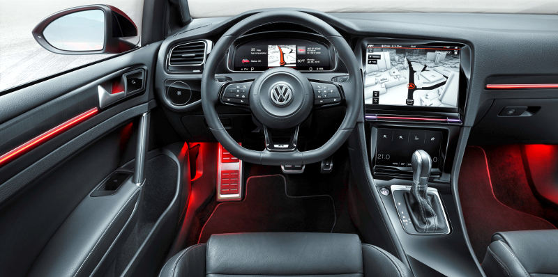 Volkswagen-Golf-R-Touch