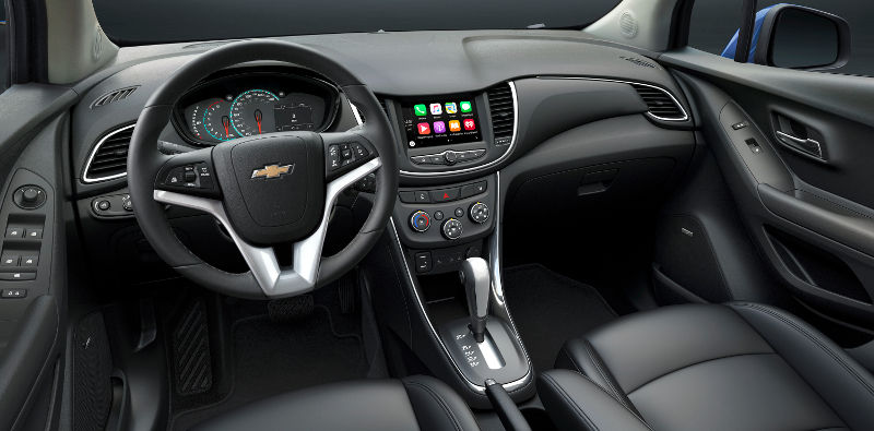Chevrolet-Tracker-2017-painel