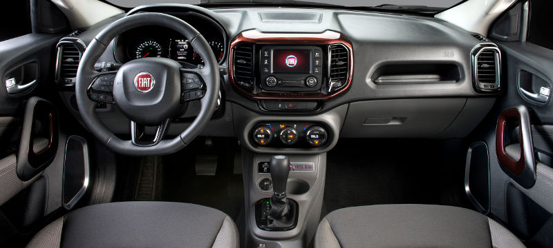 Fiat-Toro-Freedom-Opening-Edition-2017-picape-painel