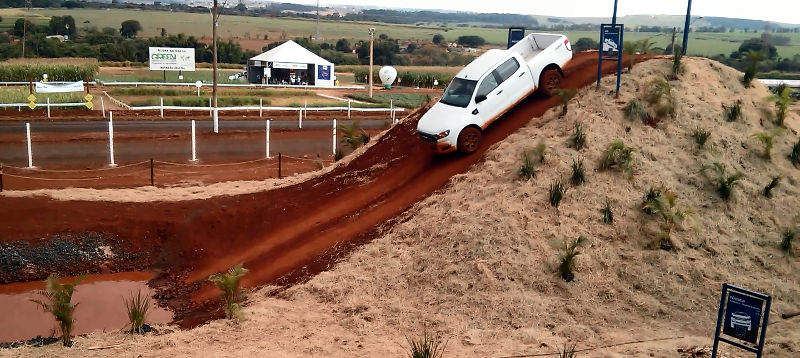 Ford-Ranger-off-road-picape-2017