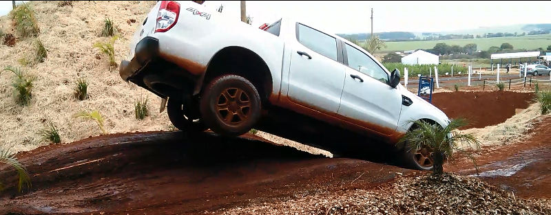 Ford-Ranger-off-road