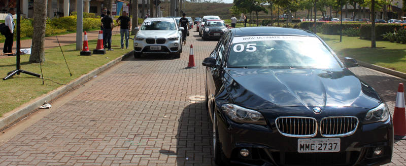 BMW Ultimate Experience carros test drive
