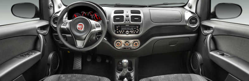 Painel do Fiat Palio Attractive 2017