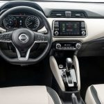 Painel do Nissan Versa Exclusive CVT 2021